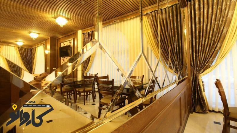 تصویر هتل سی و سه پل